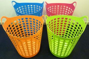 PLASTIK BASKET WITH HOLDER.jpg